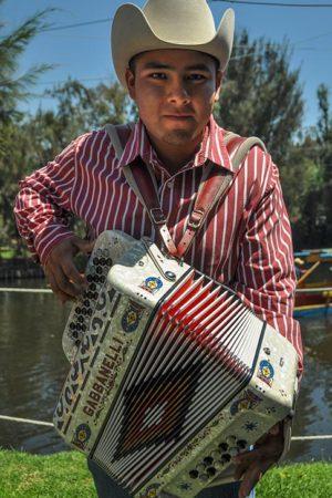 Musico-Xochimilco-Jorge-Carlos-Alvarez