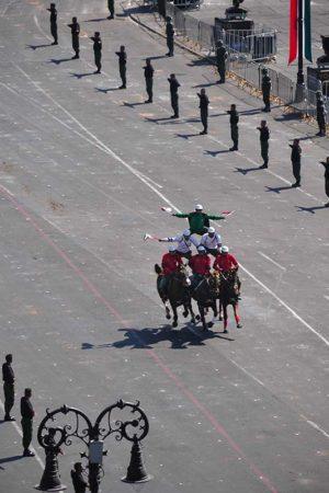 Soldados-Piramide-Jorge-Carlos-Alvarez