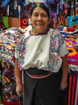 Tejedora-de-Zinacantan-Chiapas-Jorge-Carlos-Alvarez